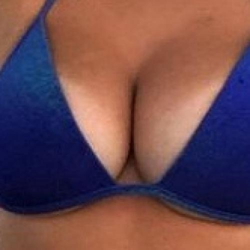 Du zwischen meine Brüste oder was?